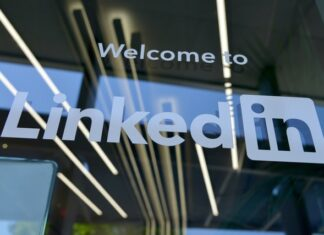 Can you post jobs for free on Linkedin?