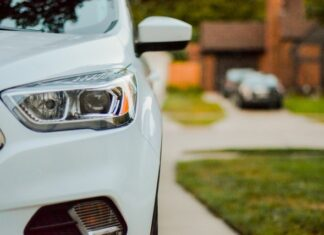 What is car insurance deductible?